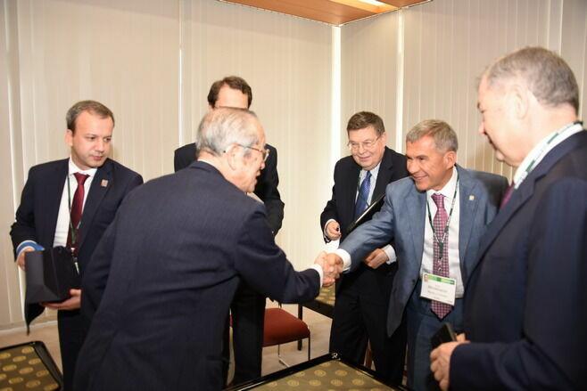 Рустам Минниханов принял участие во встрече Аркадия Дворковича с Премьер-министром Японии Синдзо Абэ