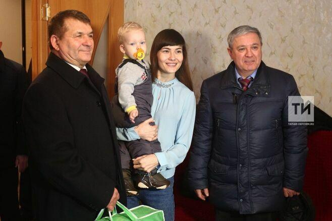 В Аксубаеве новые квартиры получили девять детей-сирот