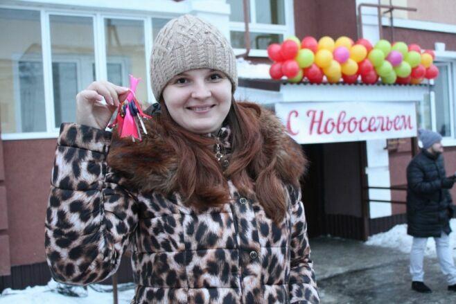 В Чистополе переселенцы из аварийного жилья получили ключи от квартир в новом доме