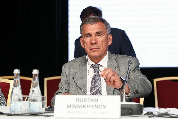 Рустам Минниханов вошел в топ-5 медиарейтинга губернаторов