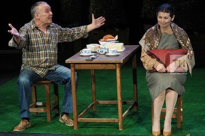 Спектаклем «Земля Эльзы» открылся третий день гастролей Альметьевского театра в Казани