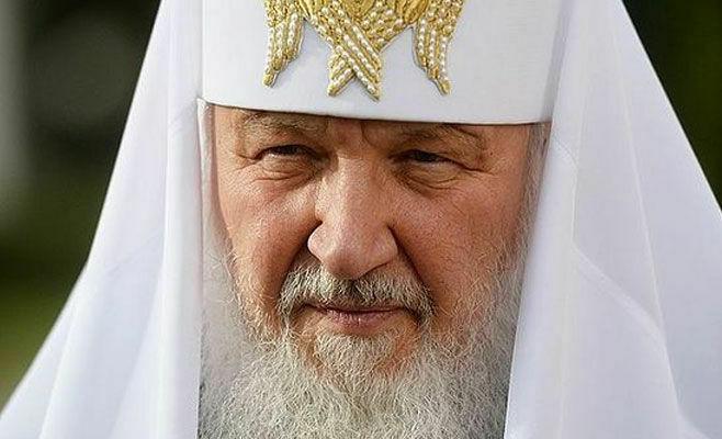 Патриарх Кирилл попросил верующих опасаться псевдоценностей соцсетей