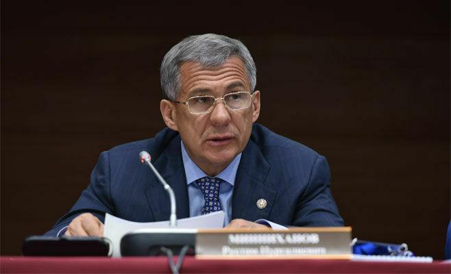 Рустам Минниханов провел экстренное совещание в связи с отзывом лицензии у банков Татарстана