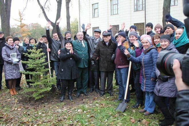 Именные деревья в честь Натана Рахлина и Джаудата Файзи посадят в парке у Татгосфилармонии