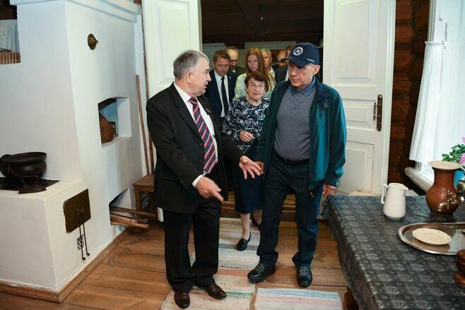 Рустам Минниханов посетил музей-заповедник «Ленино-Кокушкино»