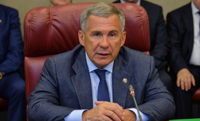 Рустам Минниханов объявил об установлении премии в 100 тыс. рублей для лучших комбайнеров Татарстана
