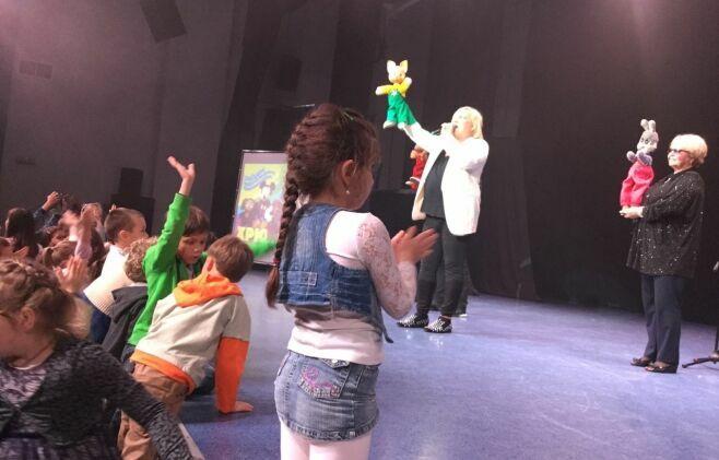 В Казани Хрюша и Степашка провели благотворительный концерт для детей-сирот и многодетных семей