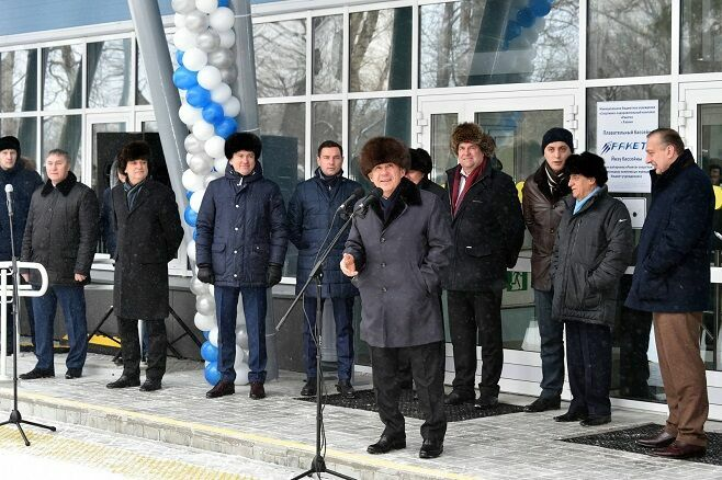 Рустам Минниханов и Хулио Маглионе открыли новый бассейн в Дербышках