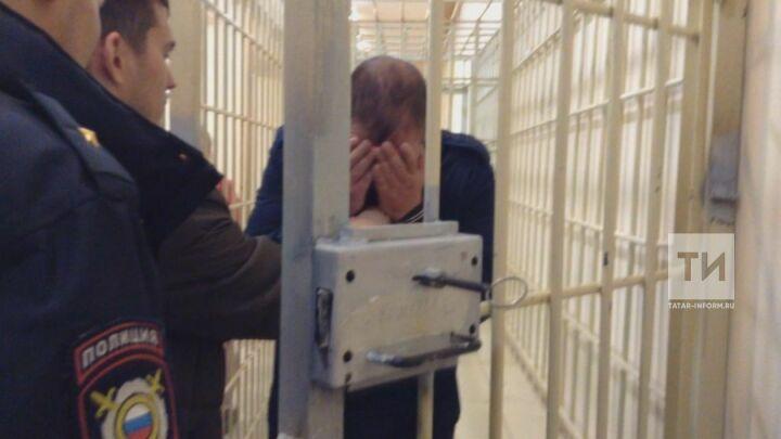 В Казани продлили срок ареста мужчине, который избил подростка-инвалида