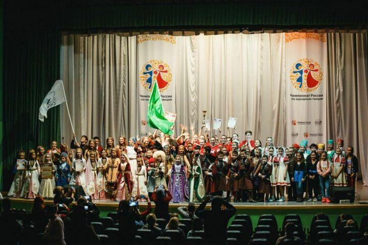 Танцоры из Нальчика и Россоши победили на Открытом кубке по народным танцам в Казани