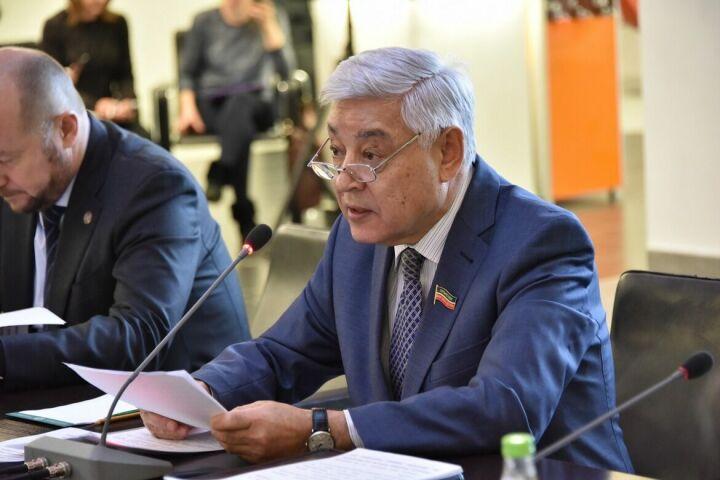 Фарид Мухаметшин призвал проанализировать основные причины оттока населения из Татарстана