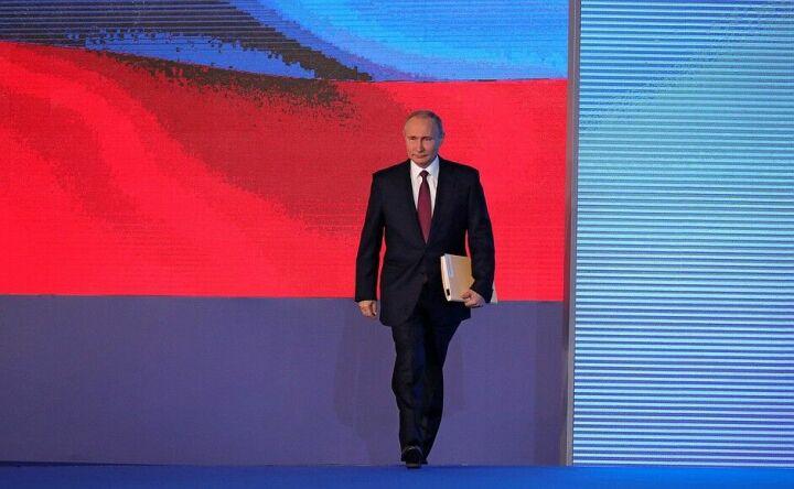 Путин отметил Казань как успешный пример обновления городской среды иинфраструктуры