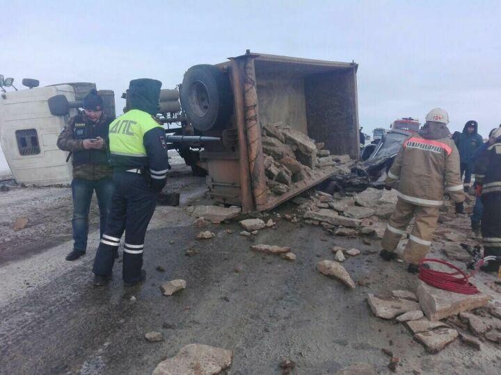 В Новошешминском районе грузовик раздавил водителя и пассажира «Лады»