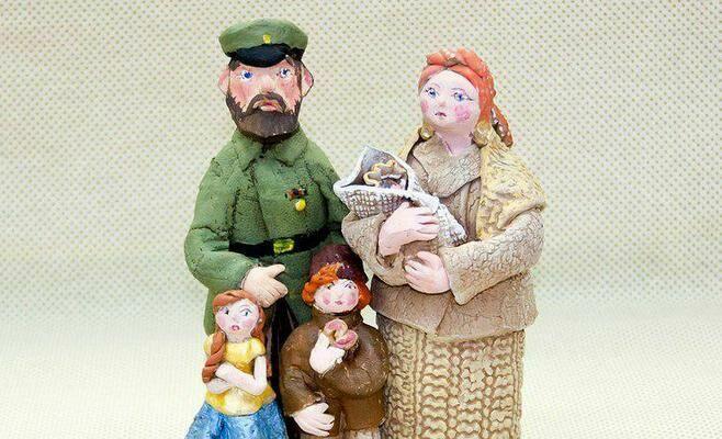 В Казани открывается выставка «Мы игрушку смастерили…»