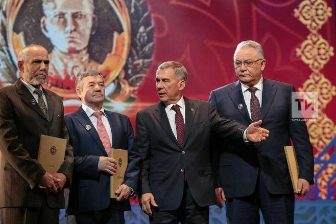 Премию Тукая получили Камиль Каримов, Михаил Кузнецов итворческая группа «Таттелекома»
