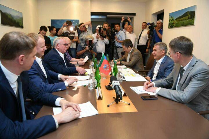 Президент РТ предложил возобновить прямое авиасообщение между Казанью и Горно-Алтайском