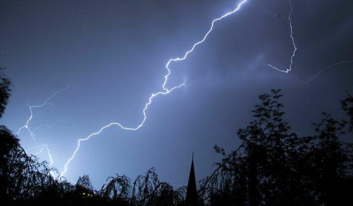 На курорте в Соль-Илецке школьника из Татарстана убило молнией
