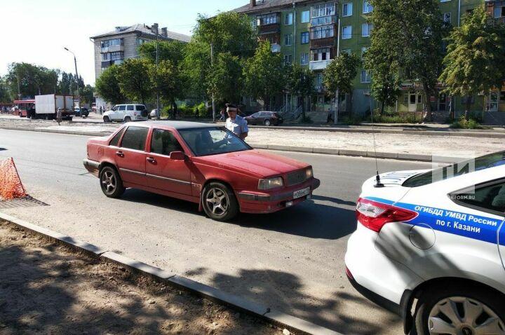 В Казани у Московского рынка полицейские устроили облаву на нарушителей ПДД