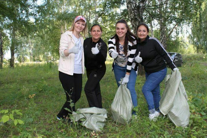 Более полутора тонн мусора собрали в Менделеевске в рамках акции «Чистые игры»