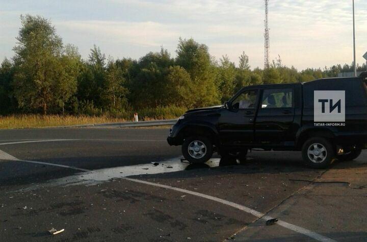 Два человека пострадали в столкновении двух внедорожников в Лаишевском районе РТ