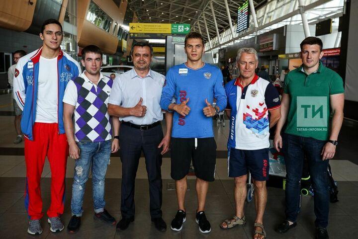 «Атмосфера вообще огонь!»: Куимов и Королев вернулись в Казань с чемпионата Европы по плаванию