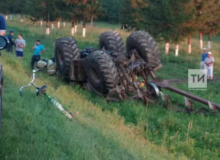 В Кукморском районе Татарстана в ДТП погиб тракторист