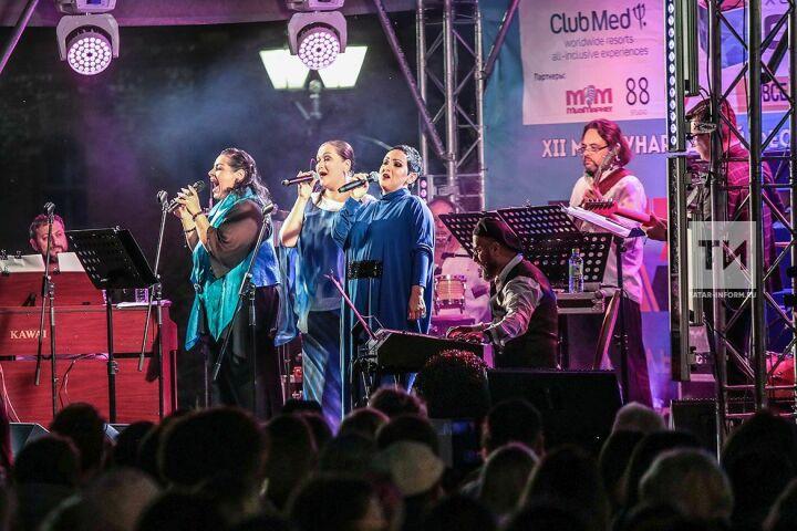 Любимые подруги Ольги Скепнер: «куриное трио» взорвало Казань на финальном концерте «JAZZа в Кремле»