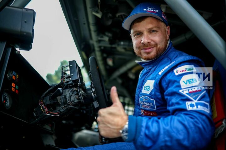 Эдуард Николаев в третий раз подряд выиграл «Дакар» в зачете грузовиков