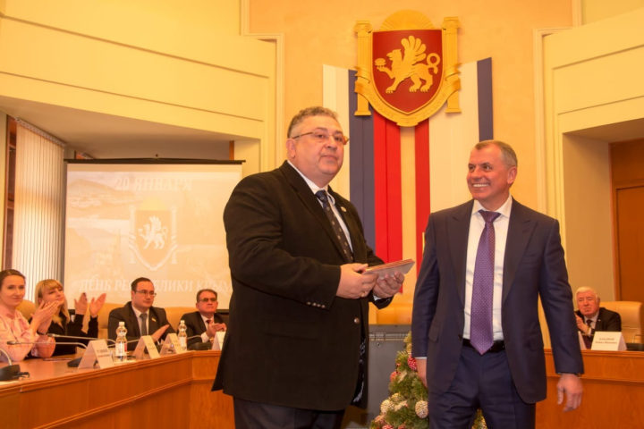 Основатель «Созведия-Йолдызлык» стал заслуженным деятелем искусств Крыма