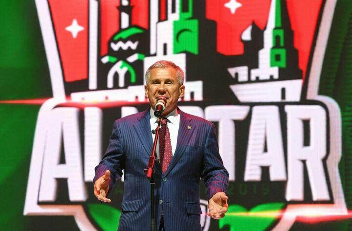 Рустам Минниханов: Дети и взрослые любят хоккей, поэтому для Татарстана честь принять Матч звезд