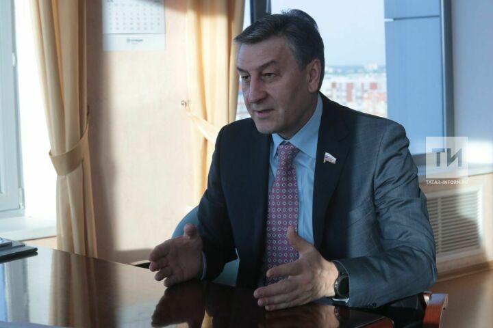 Депутат Госдумы Айрат Фаррахов встретится счелнинскими самозанятыми