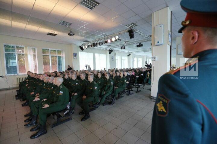 Татарстан осенью отправит на военную службу 30 призывников в Президентский и Преображенский полки
