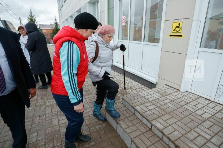 «Не ради галочки»: в рамках нацпроекта «Демография» пенсионеры Татарстана проходят диспансеризацию