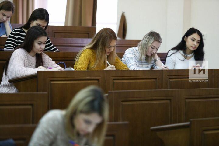 Историк Колеров назвал сталинизм основой развития политики ЕС на лекции в Казани