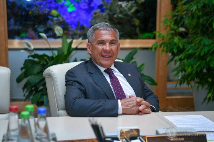 Минниханов провел переговоры с инвесторами благоустройства Вахитовского холма Казани