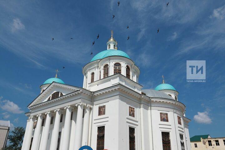 Рустам Минниханов назвал собор Казанской иконы Богоматери общенародным проектом