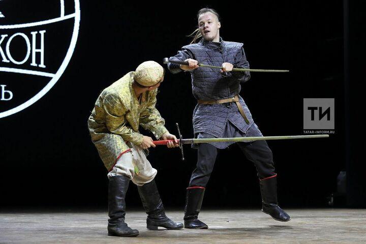 На «Зилантконе» определили победителей турнира по арт-фехтованию и конкурса костюмов