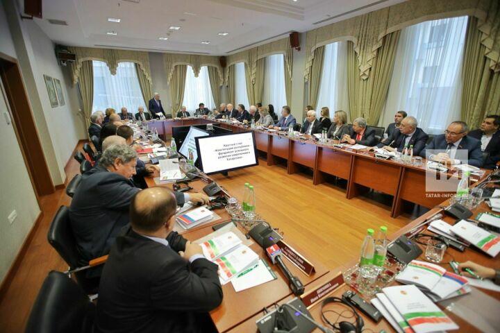 Леонид Якунин поддержал идею дополнить Конституцию РТ комментарием