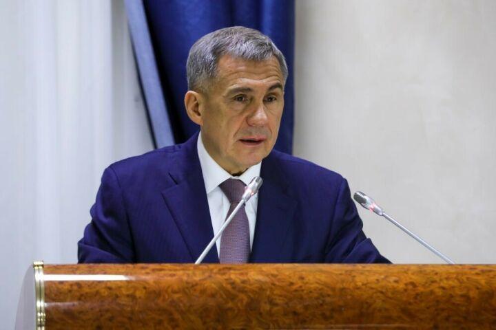 Минниханов призвал проверить все случаи освобождения от армии в осенний призыв
