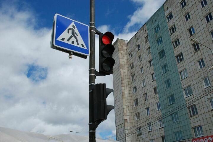Чтобы снизить число погибших, 215 дорог Татарстана оснастят светофорами и «лежачими полицейскими»