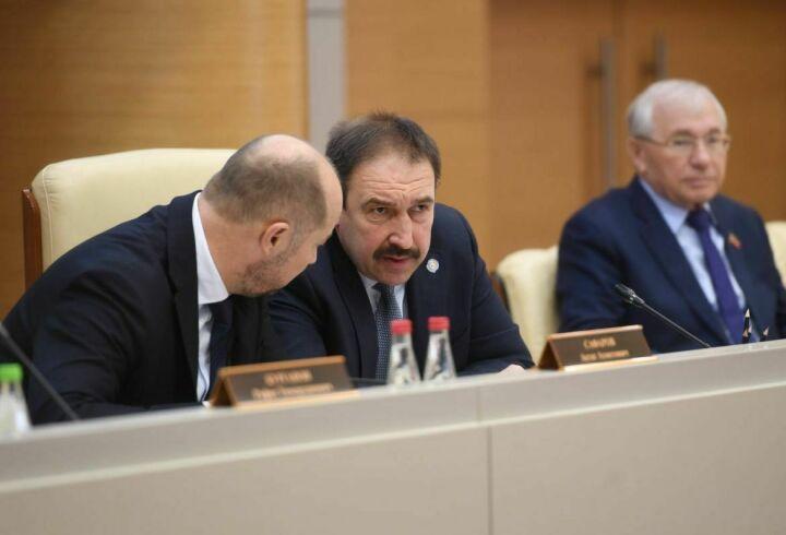 Песошин рекомендовал муниципалитетам использовать разработку АН РТ по русско-татарскому переводу