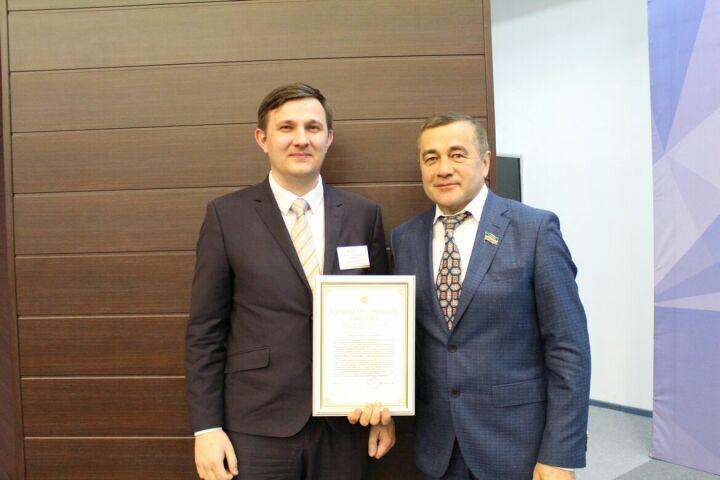 Молодой специалист из Пестрецов удостоился благодарности Ирека Файзуллина за успехи в ЖКХ