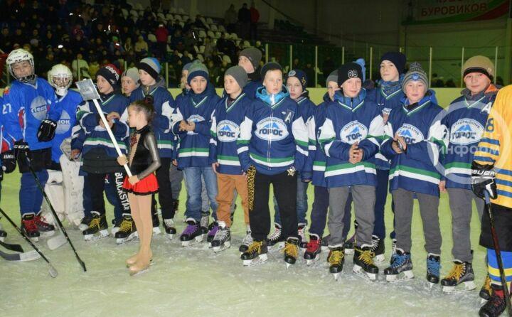 В Нурлате стартовало первенство Приволжского федерального округа по хоккею