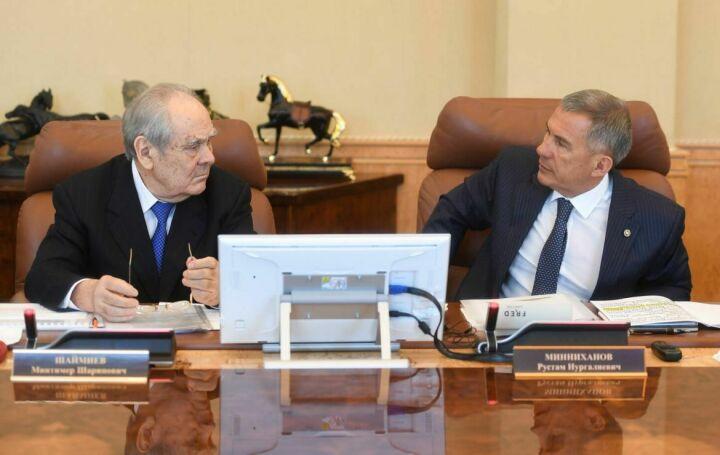Рустам Минниханов провел совещание по созданию полилингвальных образовательных комплексов в РТ