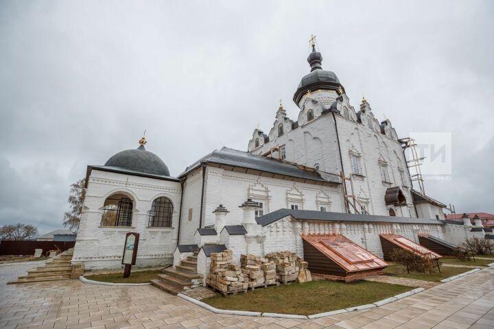 Артем Силкин попросил татарстанцев о помощи в наполнении музея Успенского собора Свияжска