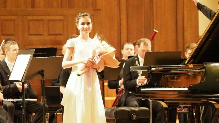 11-летняя пианистка и ГСО РТ под управлением Александра Сладковского открыли«Рахлинские сезоны»