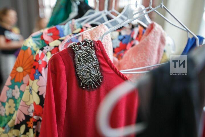 Платья, туфли имейкап получили вподарок воспитанницы интернатов Казани перед выпускными балами