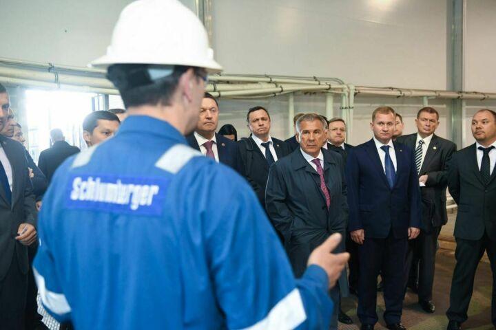 Рустам Минниханов предложил нефтесервисной компании «Шлюмберже» открыть лабораторию в Татарстане