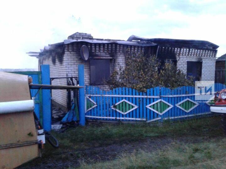 В Татарстане мужчина заснул с непотушенной сигаретой и сгорел вместе с домом