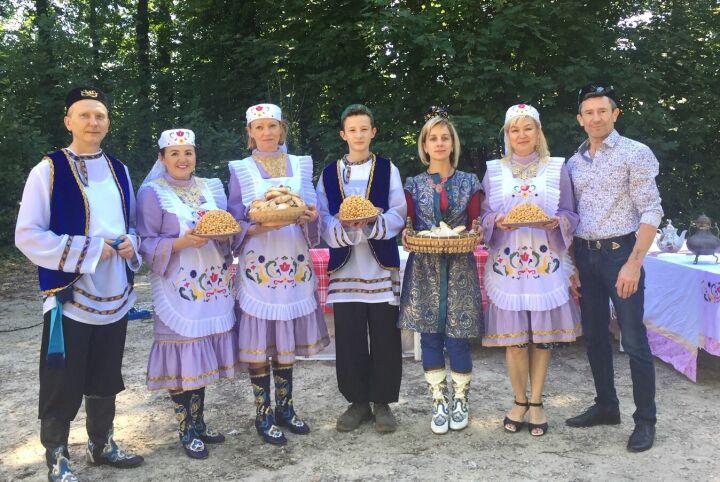 Татарская община Бельгии отпраздновала в пригороде Брюсселя Сабантуй